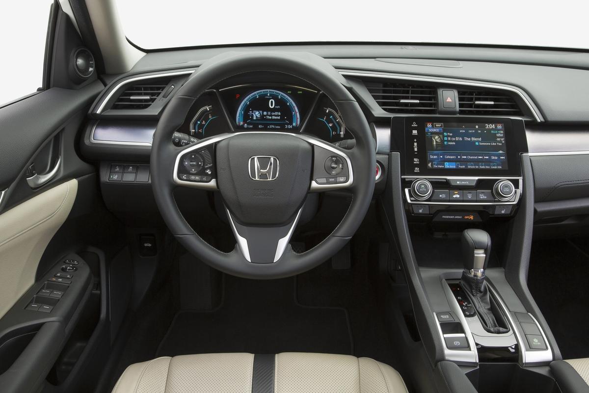 2017 Honda Civic Wins Kelley Blue Book Best Auto Tech Award